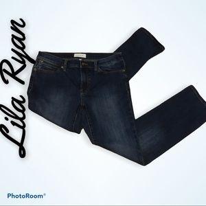 Anthropologie LILA RYAN straight leg jeans.
